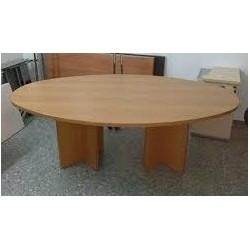 Mesa juntas ovalada Serena patas en cruz 180 x 120 cm.